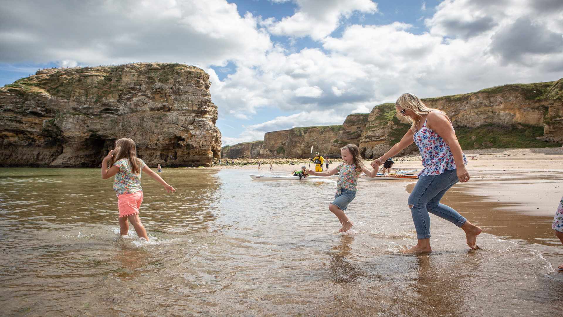 Marsden Bay (Mother and Children)